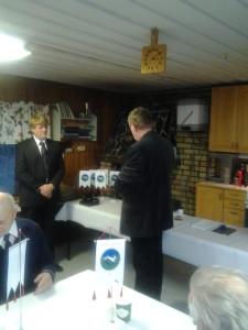 Ordföranden uppvaktar Övermalax Jaktklubb på deras 80-års jubileum 16_11_13